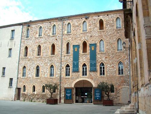Saint maximin la sainte baume site officiel de l 39 office for Piscine saint maximin la sainte baume