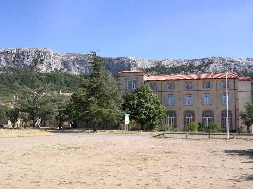 Hostellerie De La Sainte Baume  Maison D U0026 39 Accueil