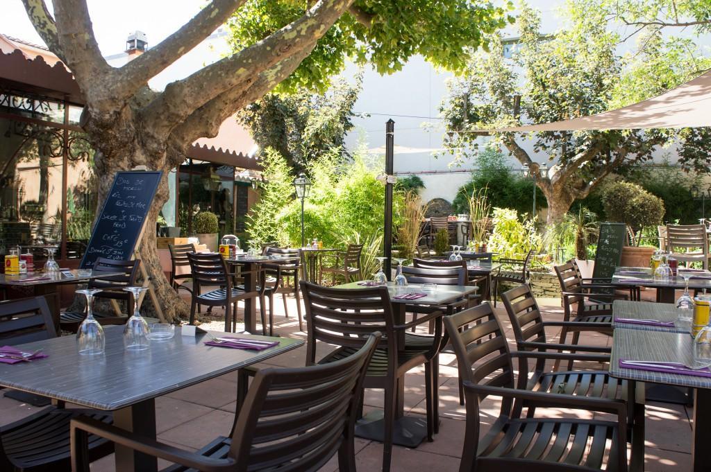 Restaurant c t jardin restaurants saint maximin la - Office tourisme saint maximin la sainte baume ...
