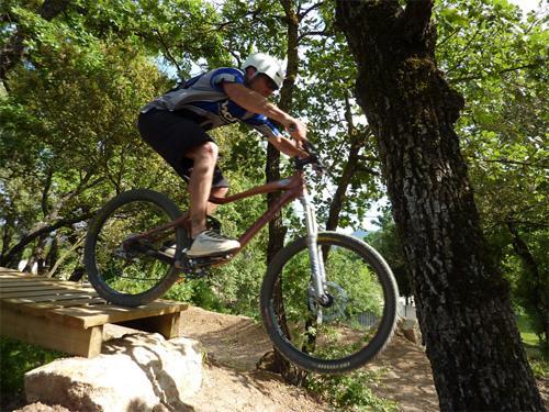 Garéoult bike park - Latitude VTT