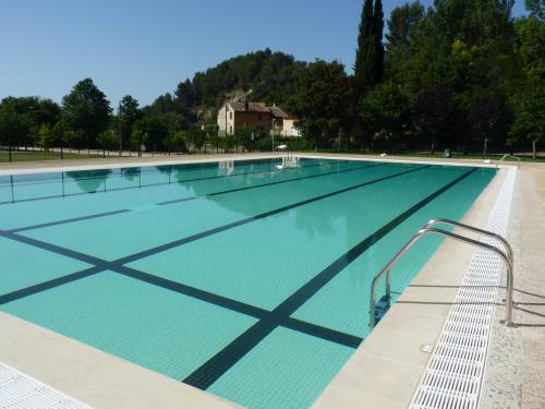 Barjols visitez ce village typique de la provence verte - Piscine municipale castelnaudary ...