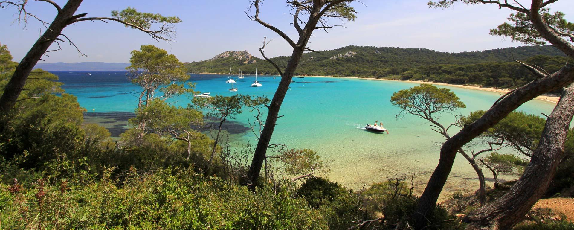 Plages bord de mer les plus belles plages du var proche for Camping martigues avec piscine bord mer