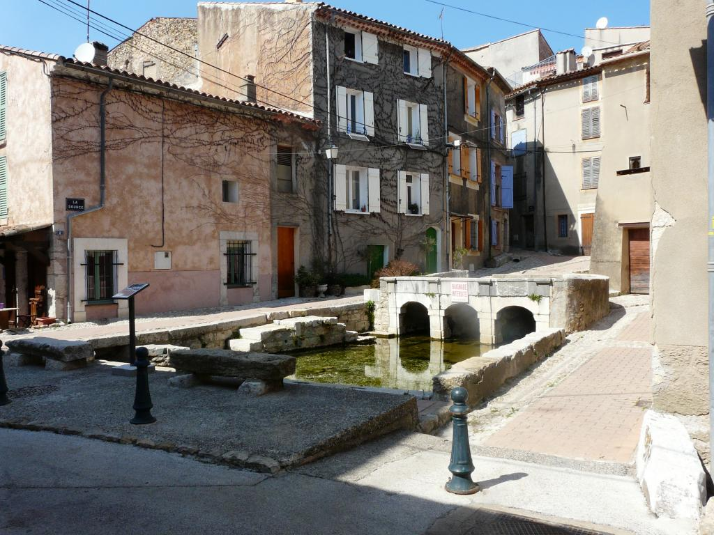 Circuit du village culture patrimoine camps la - Office tourisme saint maximin la sainte baume ...
