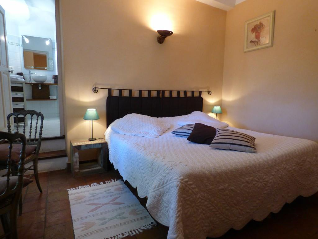 ch teau de nestuby chambres d 39 h tes cotignac office de tourisme de cotignac. Black Bedroom Furniture Sets. Home Design Ideas