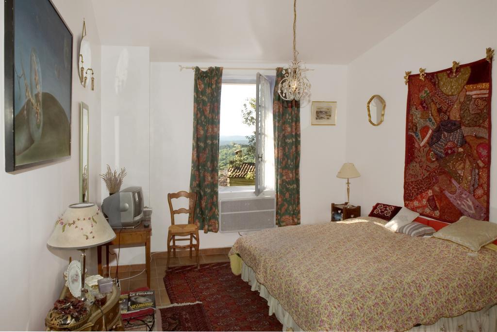 chez lucie maison troglodyte chambres d 39 h tes cotignac office de tourisme de cotignac. Black Bedroom Furniture Sets. Home Design Ideas
