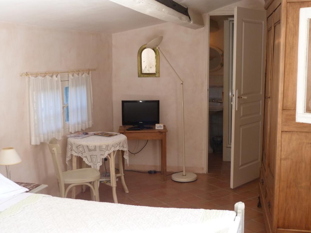 les oliviers chambres d 39 h tes cotignac office de tourisme de barjols. Black Bedroom Furniture Sets. Home Design Ideas