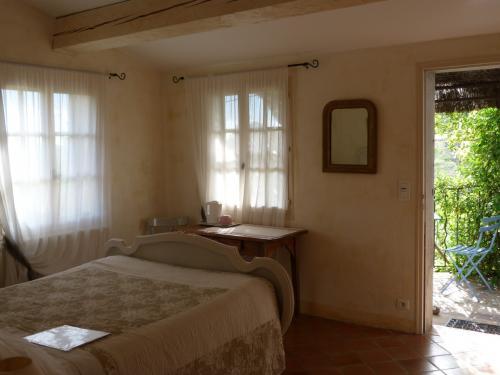 les oliviers chambres d 39 h tes cotignac. Black Bedroom Furniture Sets. Home Design Ideas