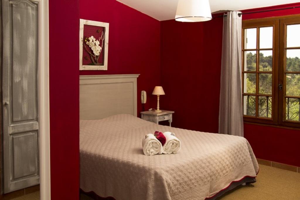 Le rouge gorge chambres d 39 h tes pontev s office de - Chambre d hote doue la fontaine ...