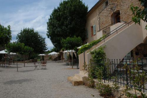Locations vacances en provence autour de brignoles saint - Office tourisme saint maximin la sainte baume ...
