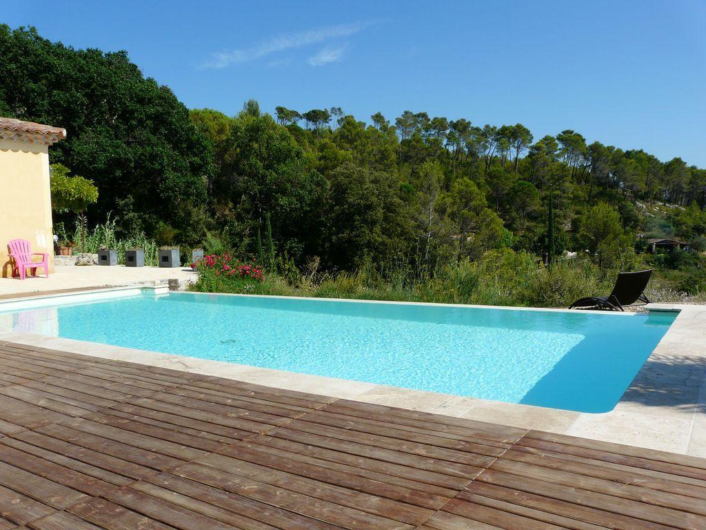 Location vacances cotignac en provence verte g te n 534 office de tourisme de correns - Location vacances office du tourisme ...