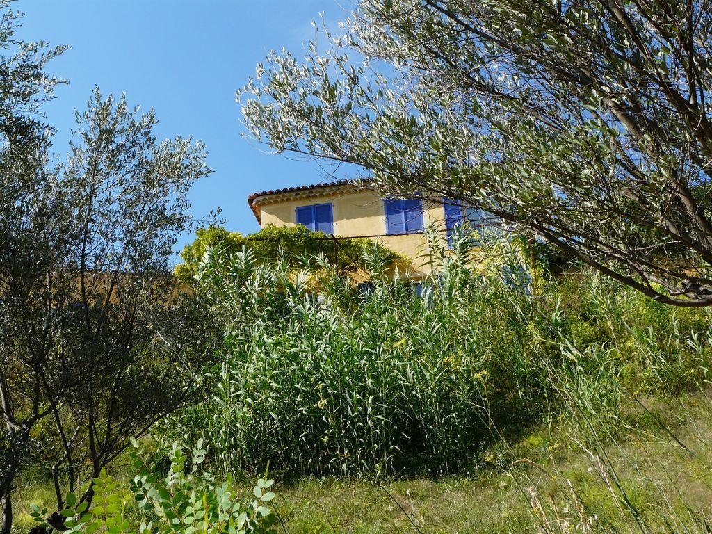 Location vacances cotignac en provence verte g te n 534 office de tourisme de carc s - Location vacances office du tourisme ...